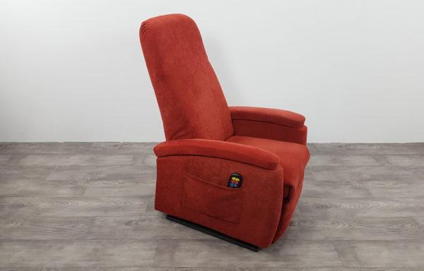 #391 – Sta-op stoel 570 rood smal. € 45,- per maand.