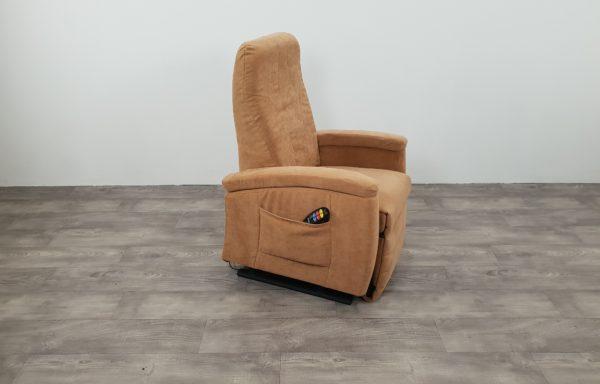 #393 – Sta-op stoel 571 zand, 45cm smal. € 45,- per maand