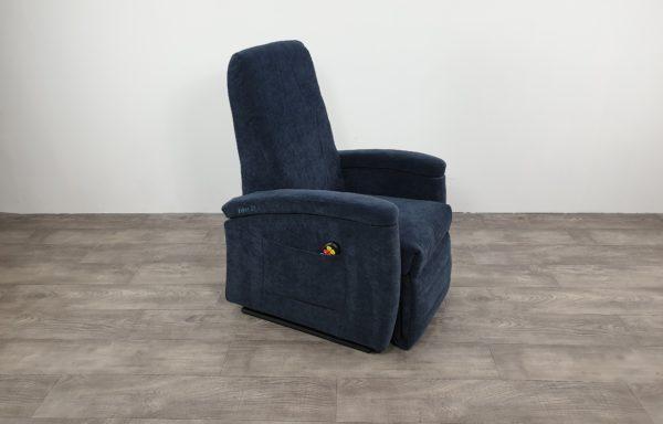#523- Sta-op stoel 571, 45cm. blauw. € 45,- per maand