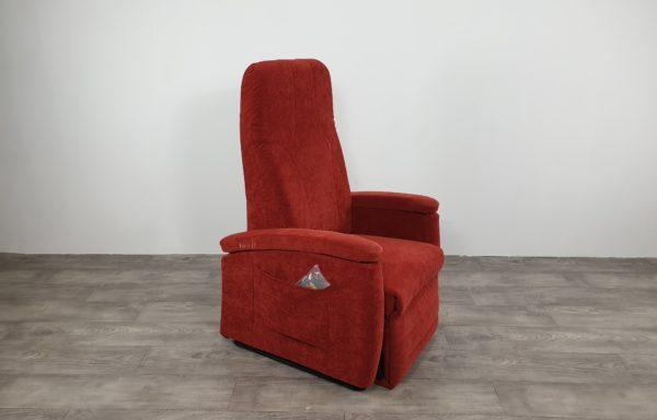#544 – Sta-op stoel 570 rood € 45,- per maand