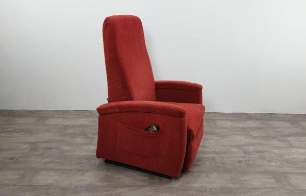#108 – Sta-op stoel 570. rood. € 45,- per maand