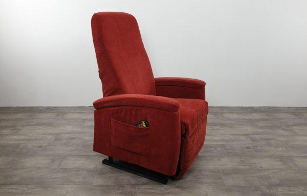 #250 – Sta-op stoel 570. rood. € 45,- per maand