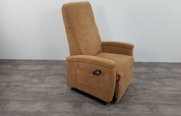 #399 – Sta-op stoel 570, 57cm breed. € 65,- per maand