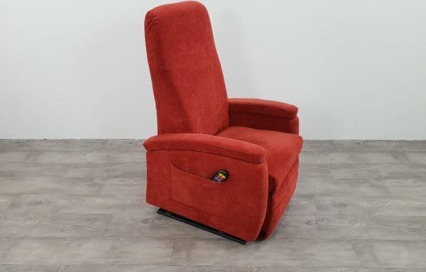 #401 – Sta-op stoel 570, 51cm breed. Rood. € 45,- per maand