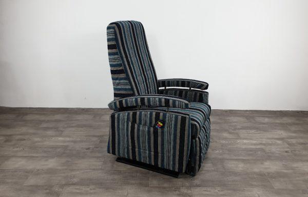#401 – Sta-op stoel 570 € 45,- per maand, Nieuwe stof gestreept