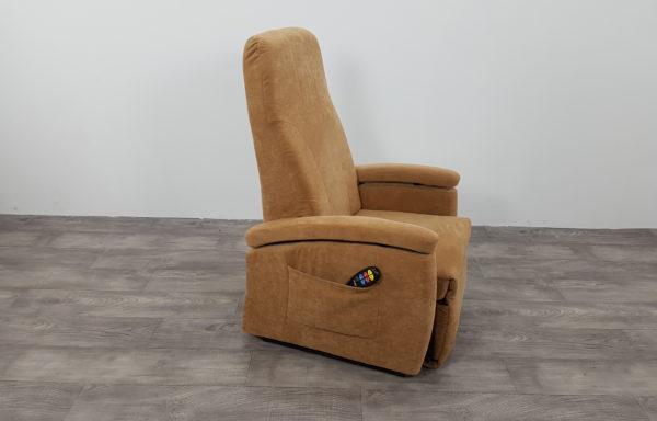 #314 – Sta-op stoel 570 zand. € 45,- per maand