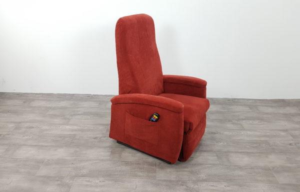 #416 – Sta-op stoel 570, 51cm breed rood € 45,- per maand