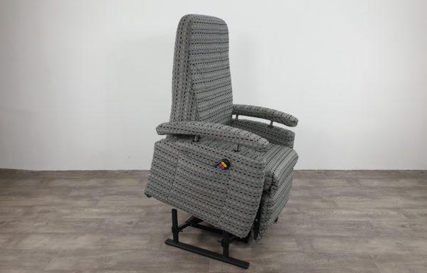 #416 – Sta-op stoel 570, € 45,- per maand NIEUWE geblokte stof