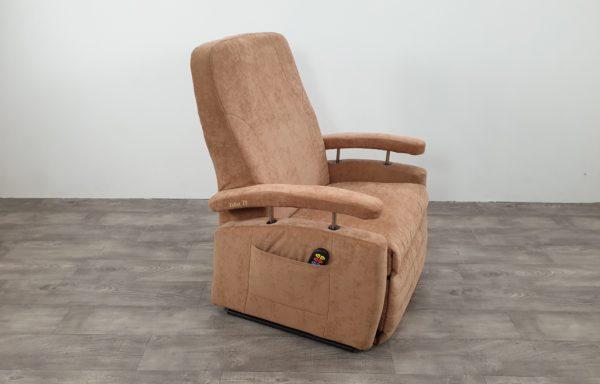 #456 – XXL Sta-op stoel vario 570, 69cm breed. zand € 80,- p/m