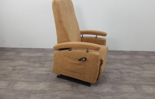 #163 – Sta-op stoel 570, 51cm, zand € 45,- per maand