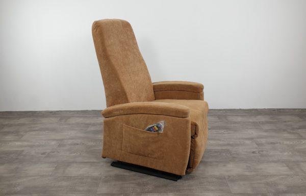 #276 – Sta-op stoel 570 zand. € 45,- per maand
