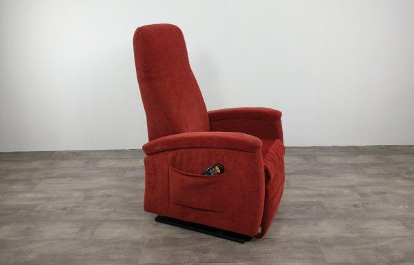 #328 – Sta-op stoel 570, rood. € 45,- per maand