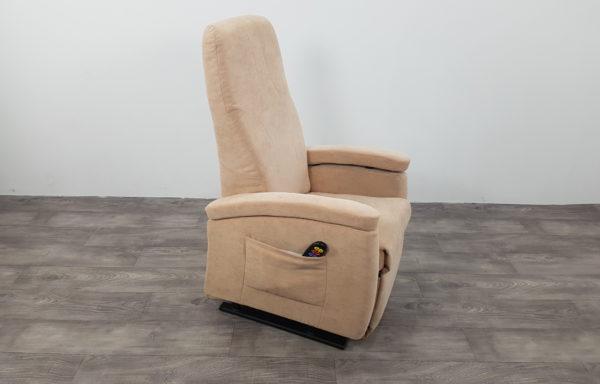 #385 – Sta-op stoel 570 beige, smal. € 45,- per maand