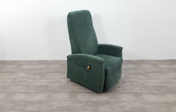 #286 – Sta-op stoel 570, 51cm breed groen € 45,- per maand