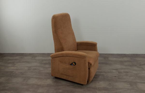 #286 – Sta-op stoel 570, zand. € 45,- per maand