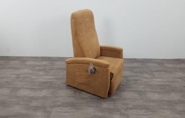 #450 – Sta-op stoel 570, zand € 45,- per maand