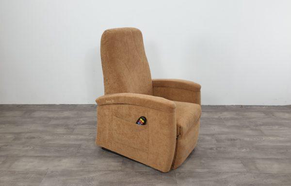 #604 – Sta-op stoel 571 zand. € 45,- per maand