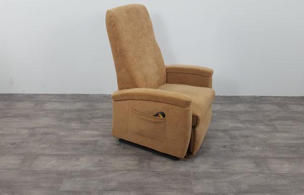 #378 – Sta-op stoel 570, 57cm breed. € 65,- per maand