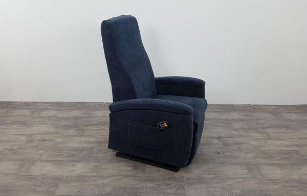 #058 – Sta-op stoel 570, 51cm. blauw. € 45,- per maand