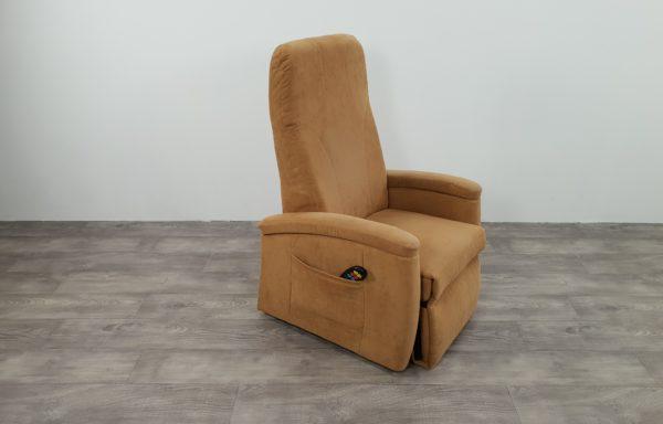 #371 – Sta-op stoel 570 zand. € 45,- per maand