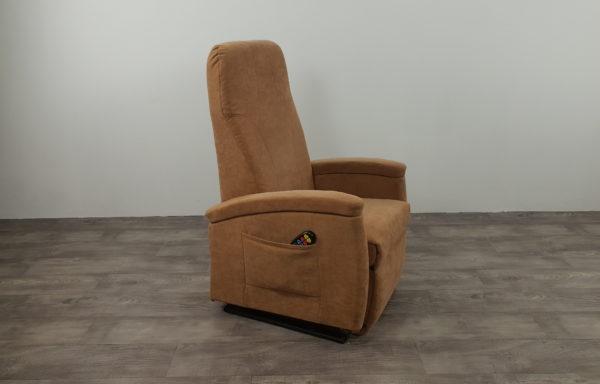 #248 – Sta-op stoel 570 zand. € 45,- per maand