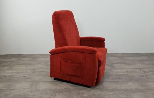 #494 – Sta-op stoel 570, 51cm rood lage rug. € 45,- per maand.