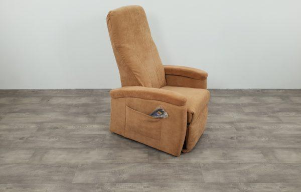 #495 Sta-op stoel 570, 45cm zand. € 45,- per maand