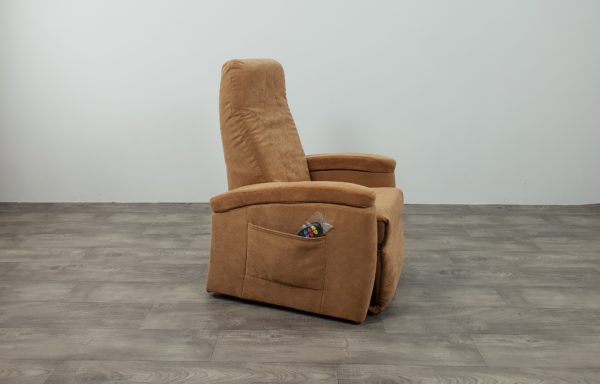 #495 Sta-op stoel 571, 45cm zand. € 45,- per maand