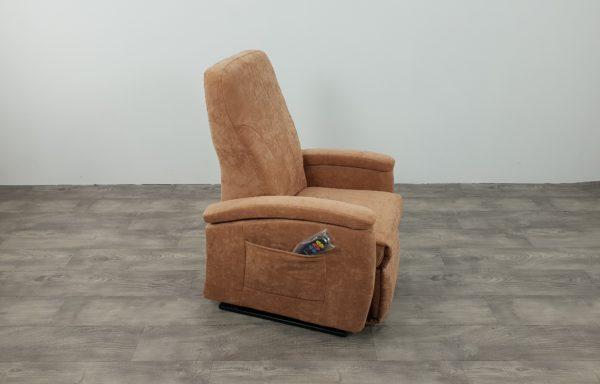 #497 Sta-op stoel 571, 45cm zand. € 45,- per maand