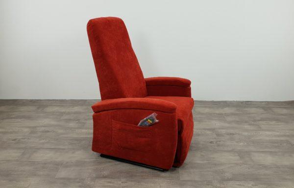 #505 – Sta-op stoel 570 rood. € 45,- per maand