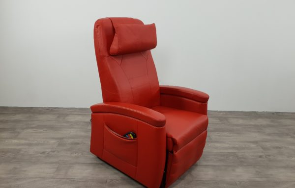 #514- Sta-op stoel rood leer. 2015. met draaischijf