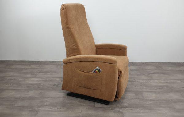 #533 – Sta-op stoel 570 zand. € 45,- per maand