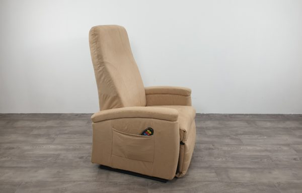 #608 – Sta-op stoel 570, 51cm, beige niroxx. € 45,- per maand