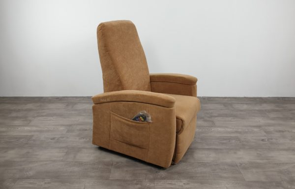 #308 – Sta-op stoel 571, zand € 45,- per maand