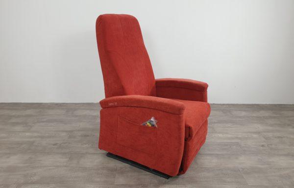 #624 – Sta-op stoel 570 rood € 45,- per maand