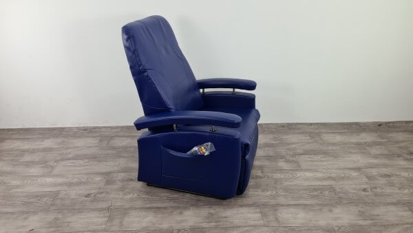brede sta-op stoel