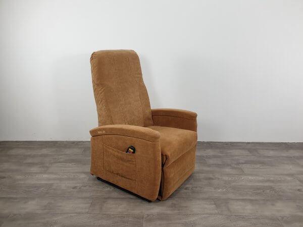 brede stoel zand