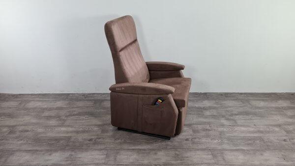 bruin sta op stoel
